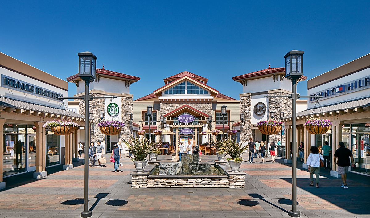 San Francisco Premium Outlets® is conveniently located in the Livermore Valley a short distance from the wine region and only 30 miles east of San Francisco. Enjoy visiting over iconic brands and designer names like Prada, Gucci, Coach, and Versace, amongst an array of stores.